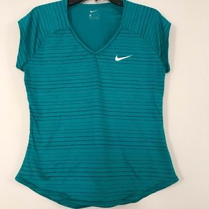 Nike women's work out tee